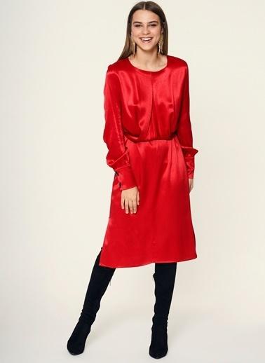 Loves You Crep Saten Bağlama Detaylı Midi Boy Elbise Kırmızı